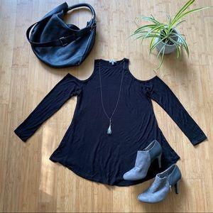 Charlotte Russe cold shoulder long sleeve top | M